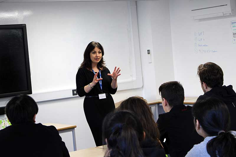 Heidi Allen visits Abbey College Cambridge